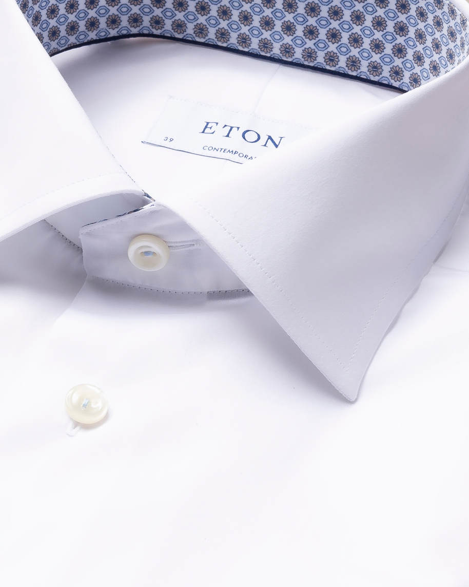 White twill shirt – geometric details