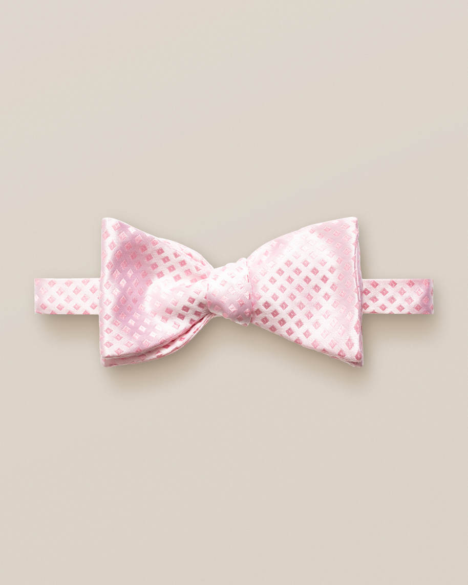 Pink squares bow tie – ready tied